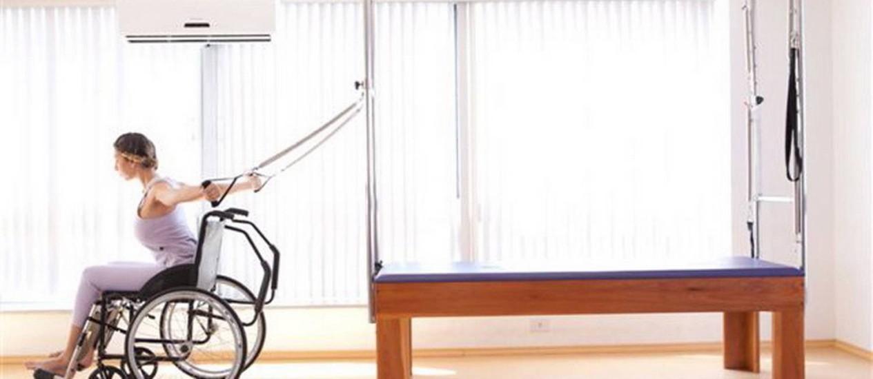 CADEIRANTE SE exercita em aparelho de pilates: independência Foto: Divulgação/Metacorpus