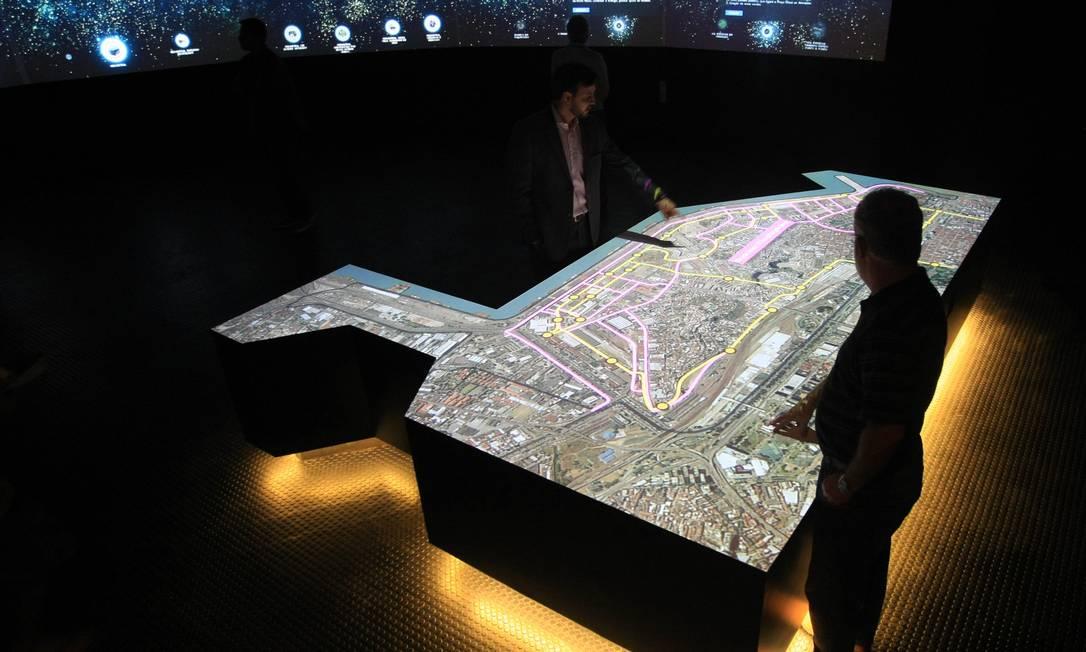 O centro de exposições que será aberto ao público na terça-feira: uma viagem pela Zona Portuária Foto: O Globo / Guilherme Leporace