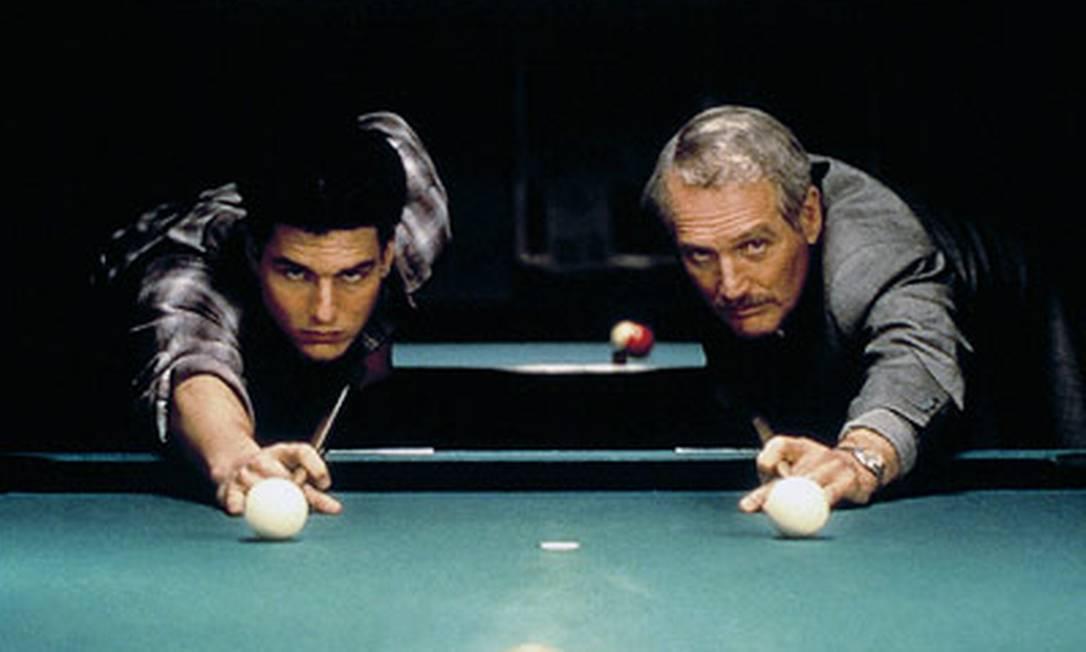 """No mesmo ano, em 1986, tem a oportunidade de trabalhar com Martin Scorsese, em """"A cor do dinheiro"""" (""""The color of the money""""). Cruise aparece na telona como Vincent Lauria, o arrogante e talentoso jogador de sinuca que se torna pupilo de Fast Eddie Felson, interpretado por Paul Newman, que ganharia o Oscar de Melhor Ator pelo papel. Reprodução"""