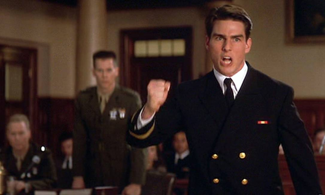 """Mais uma vez, Cruise se recupera no mesmo ano. Em 1992, ele aparece como um jovem advogado militar em """"Questão de honra"""" (""""A few good men""""), ao lado de Jack Nicholson, Demi Moore, Kevin Bacon e Kiefer Sutherland. O filme seria indicado ao Oscar, perdendo para """"Os imperdoáveis"""". Reprodução"""