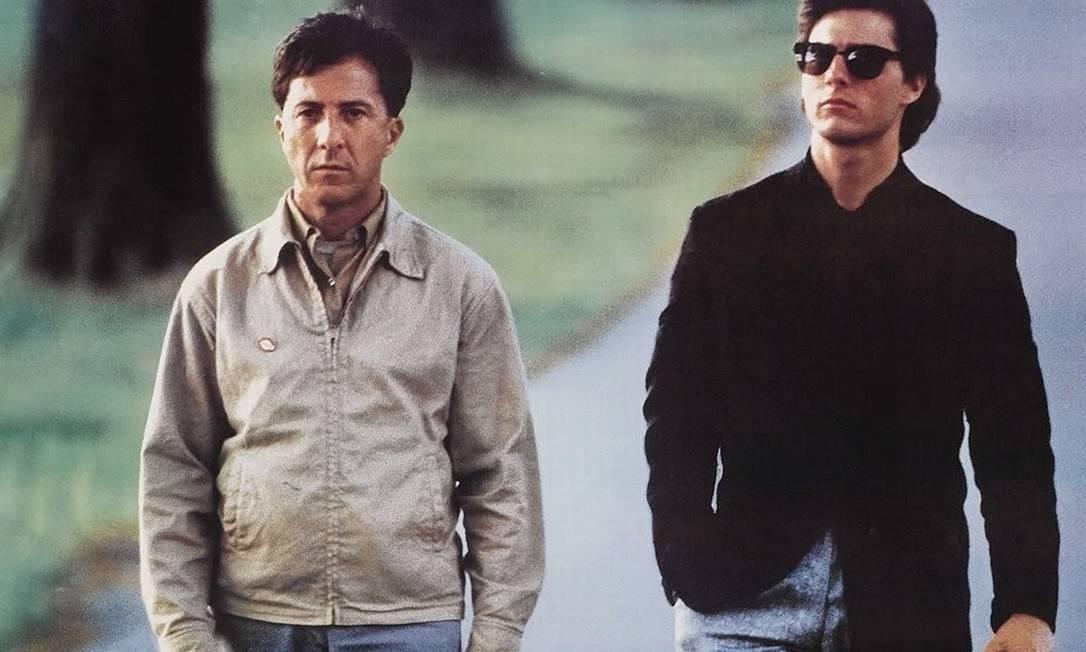 """A volta por cima veio no mesmo ano, com """"Rain Man"""". O filme de Barry Levinson conta a história do yuppie Charlie Babbitt (Cruise), que descobre que o pai morreu e deixou toda a herança para seu irmão autista, Raymond (Dustin Hoffman). """"Rain Man"""" ganharia quatro Oscars (Filme, Diretor, Roteiro Original e Ator para Hoffman) Reprodução"""