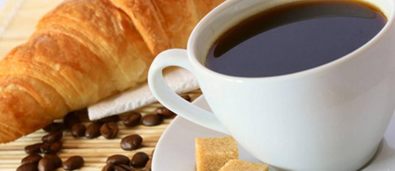 Beber mais de cinco xícaras de café por dia por reduzir chances de sucesso no tratamento de gravidez in vitro Foto: Divulgação
