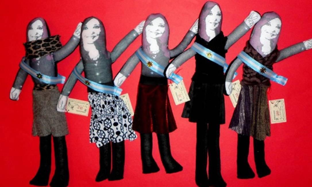 O mais novo souvenir da loja é a boneca 'Cristinita', de Cristina Kirchner Divulgação internet / Mercado Livre
