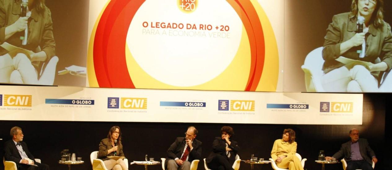 """Participantes do seminário """"O Legado da Rio+20"""" Foto: Agencia O Globo / Marcos Tristão"""
