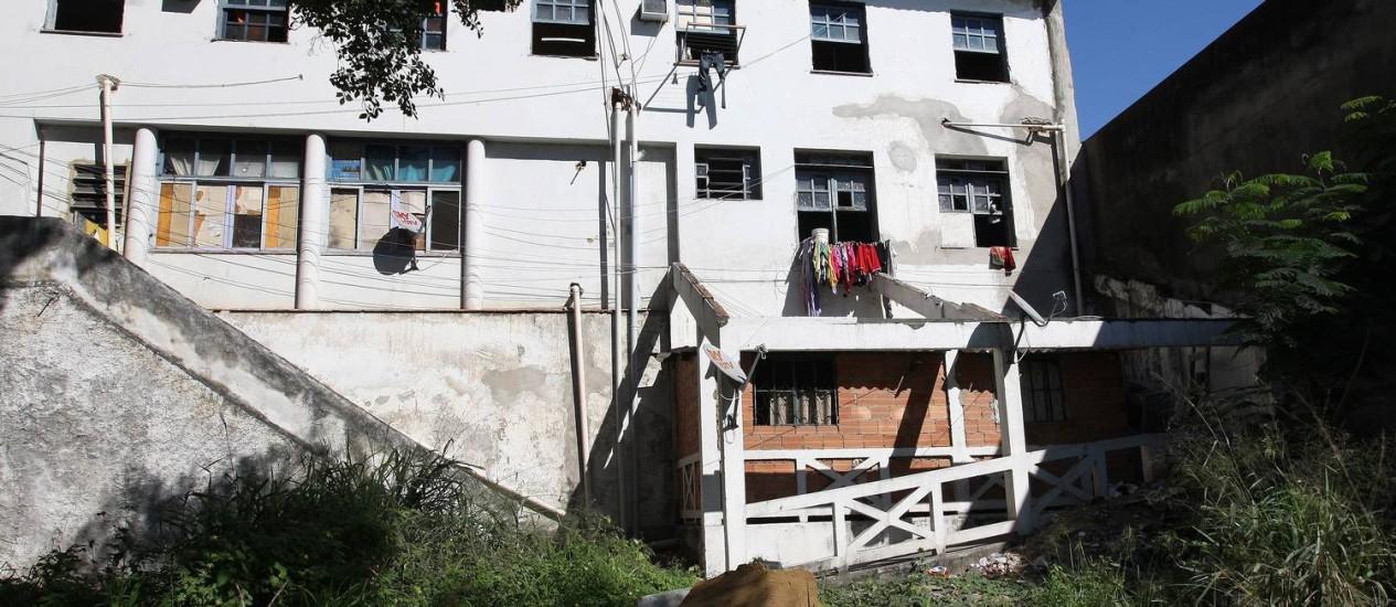 Fachada do Hospital de São Sebastião, no Caju Foto: Márcio Alves / Agência O Globo