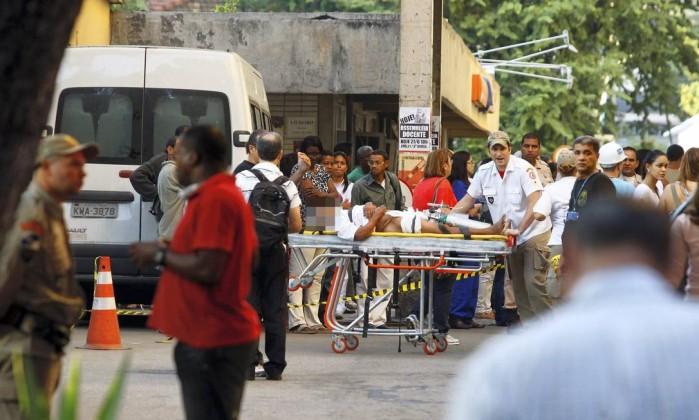 A área fica entre duas alas do hospital e a fumaça se alastrou para outros setores, como a neurologia e a cardiologia Fernando Quevedo / O Globo
