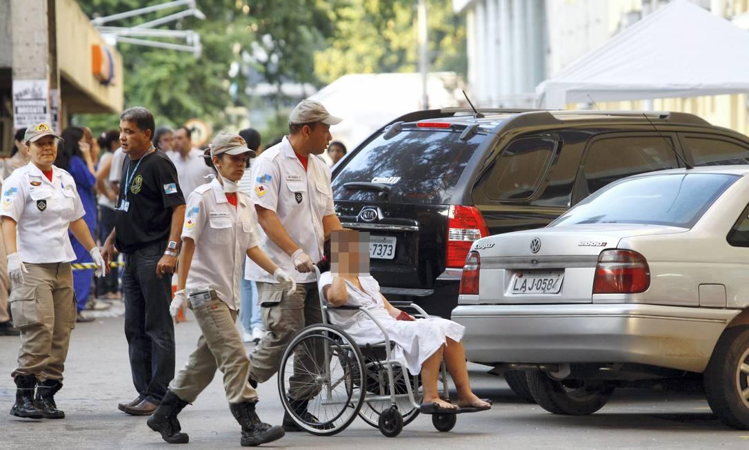Cerca de 100 pacientes precisaram ser atendidos no andar térreo da unidade no momento do incêndio Fernando Quevedo / O Globo