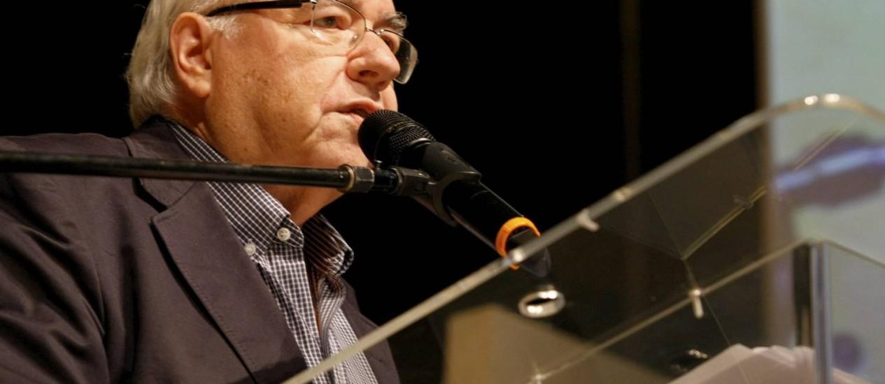 Verissimo fala na conferência de abertura da Flip 2012: homenagem a Drummond Foto: André Teixeira/Agência O Globo