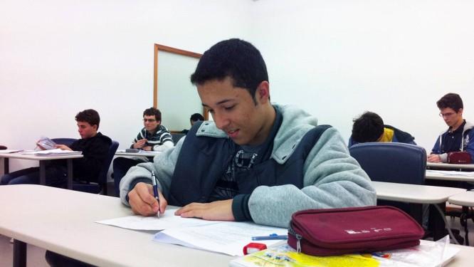 O estudante Franco Matheus se prepara para sua primeira competição internacional Foto: Divulgação