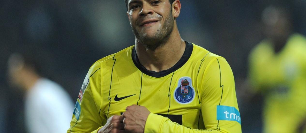 HULK COMEMORA um gol pelo Porto. Atacante garantiu sua vaga nas Olimpíadas com boas atuações nos últimos amistosos do Brasil Foto: Paulo Duarte (26-01-2011) / AP