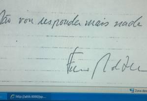 No final de seu depoimento aos militares, em 1978, Chico Buarque, do próprio punho, escreveu: