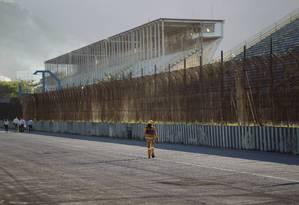 Início das obras do Parque Olímpico no terreno do antigo autódromo de Jacarepaguá Foto: Marcelo Piu / O Globo