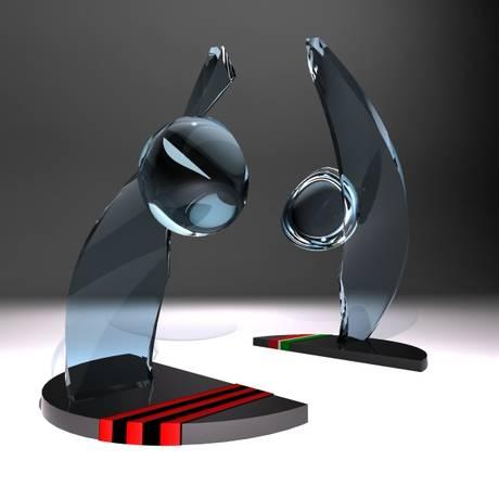 Os troféus que serão entregues para as duas equipes de artistas no domingo Foto: Globo Rio / Divulgação