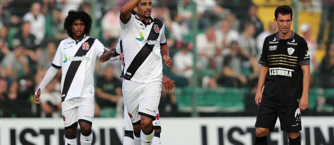 Diego Souza marcou o gol do Vasco no empate contra o Figueirense Foto: Cristiano Andujar / AGIF
