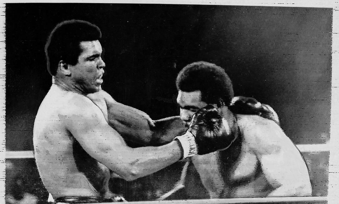 Muhammad Ali, campeão olímpico em 60, contra George Foreman, ouro em 68, num desafio antológico em 1974, como profissionais Arquivo / Agência O Globo