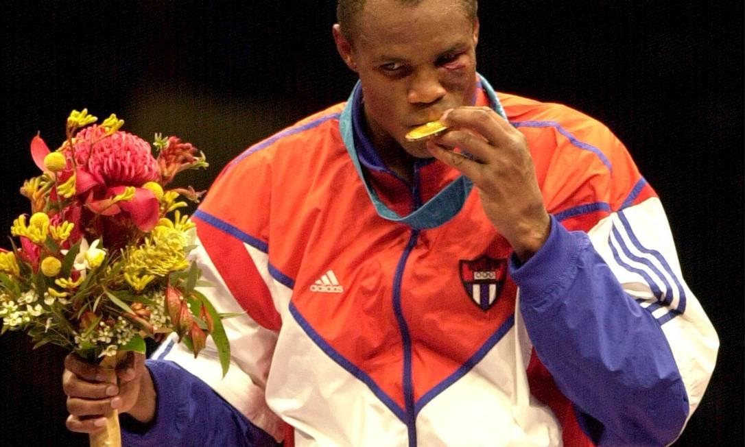 Félix Savon foi outro cubano tricampeão olímpico dos pesados e que jamais se profissionalizou. Ele levou o ouro em Barcelona-1992, Atlanta-1996 e Sydney-2000 Arquivo / AP