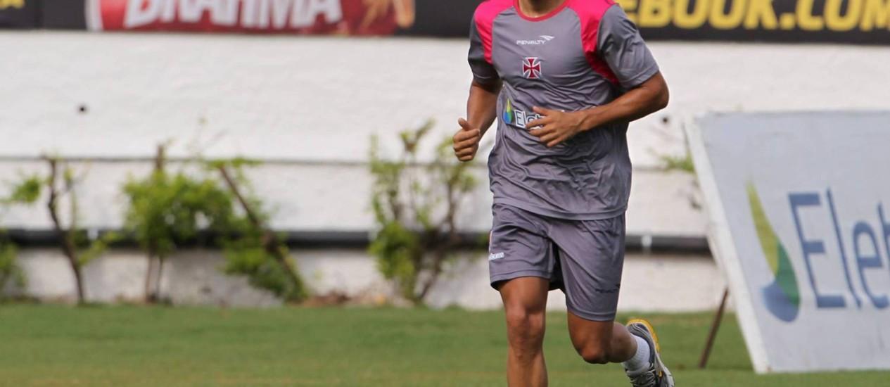 Éder Luis não enfrenta o Grêmio na próxima quarta-feira Foto: Jorge William / O Globo