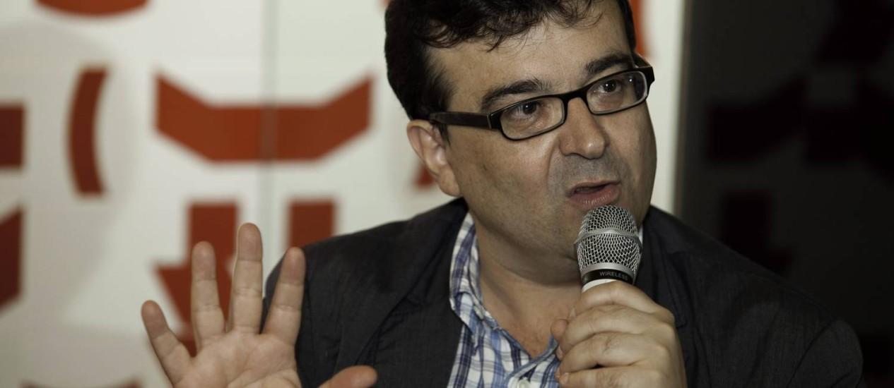 Em debate promovido pelo GLOBO, escritor espanhol Javier Cercas elogiou Brasil Foto: Daniela Dacorso