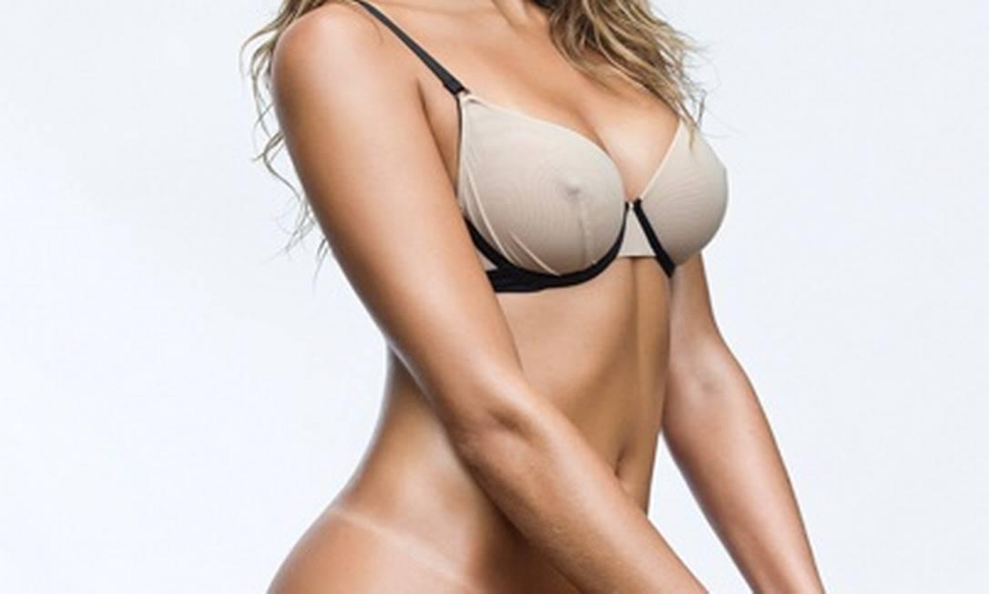 Mari é uma das destaques da Superliga e foi eleita uma das mais bonitas do torneio Divulgação / Playboy