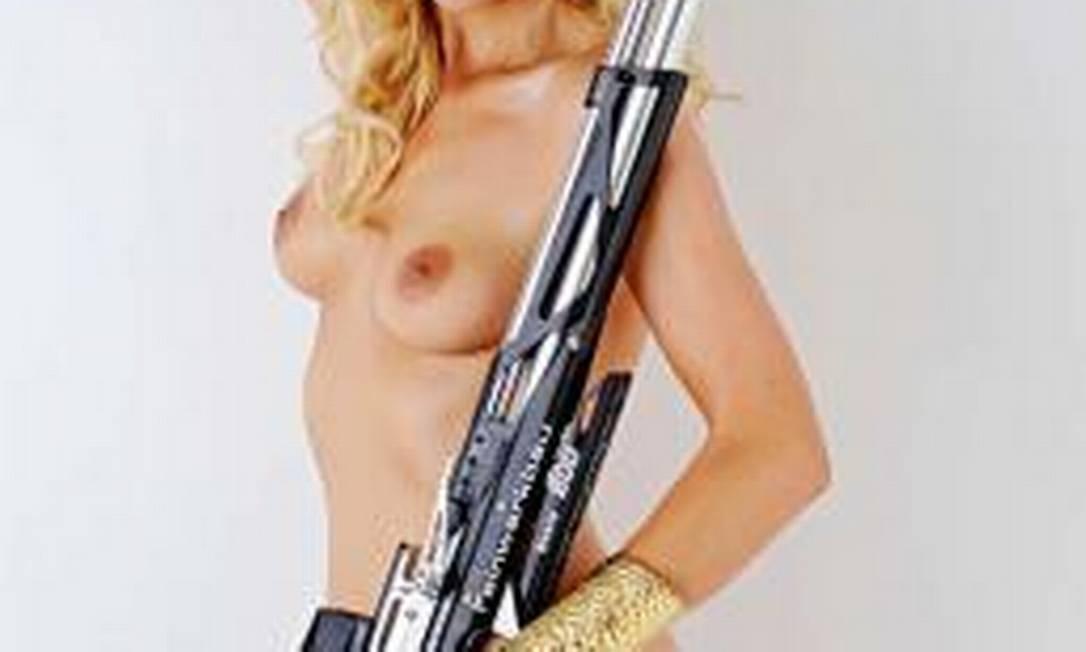 Beate Gauss, que vai competir no tiro esportivo Divulgação / Playboy