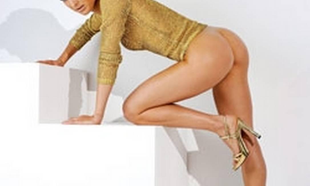 Christin em mais uma imagem da revista Divulgação / Playboy