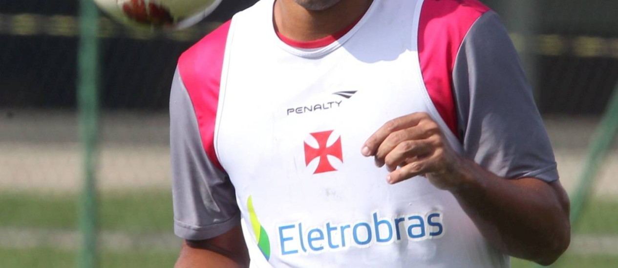 Diego Souza ainda pode se transferir para o futebol árabe Foto: Cezar Loureiro / Agência O Globo