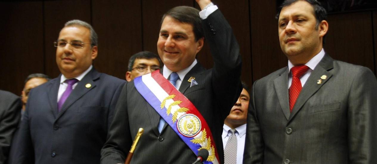 Presidente paraguaio Federico Franco, no dia em que assumiu a presidência Foto: GUSTAVO SEGOVIA / AFP