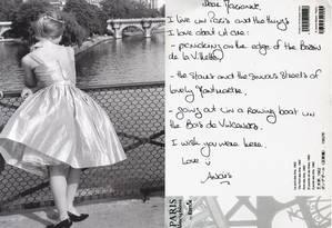 Postal descreve o que ama em Paris Foto: Divulgação