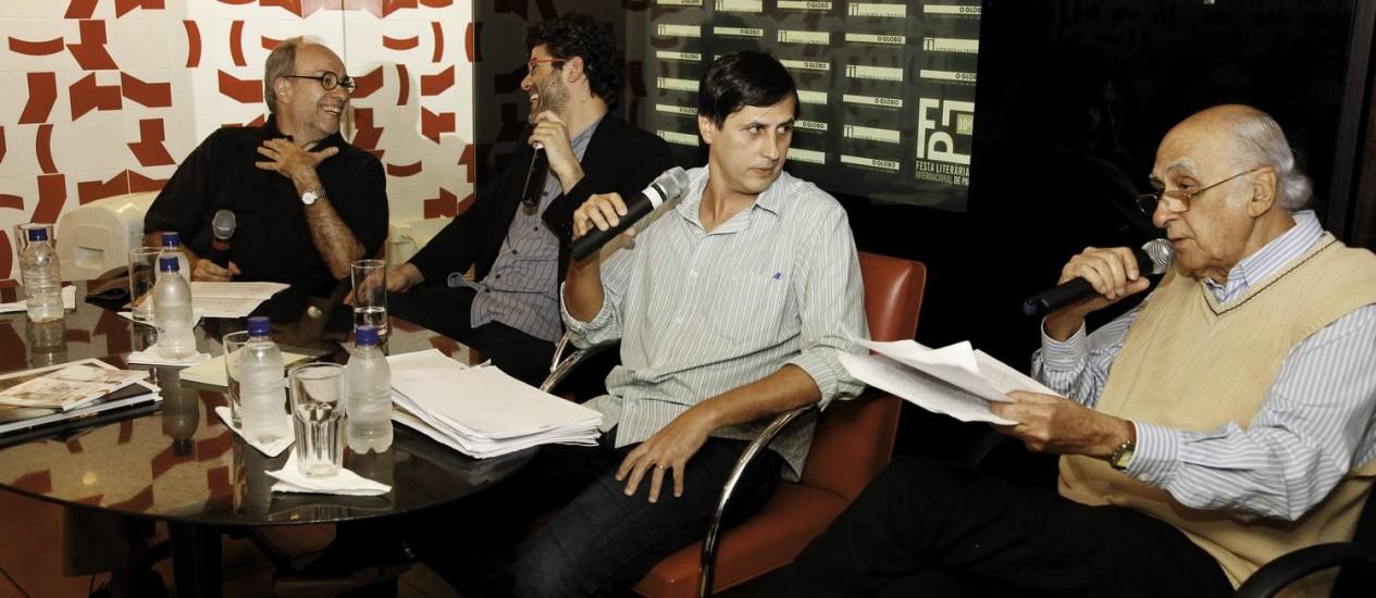 Sérgio Augusto, Flávio Moura, Mauro Ventura e Zuenir Ventura, Debate O Globo Pós-Flip na Livraria da Travessa, no Shopping Leblon Foto: Agência O Globo / Daniela Dacorso