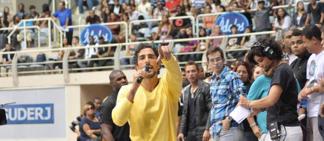 Marcos Mion comanda as gravações com os candidatos no Maracanãzinho Foto: Record/ Munir Chatack