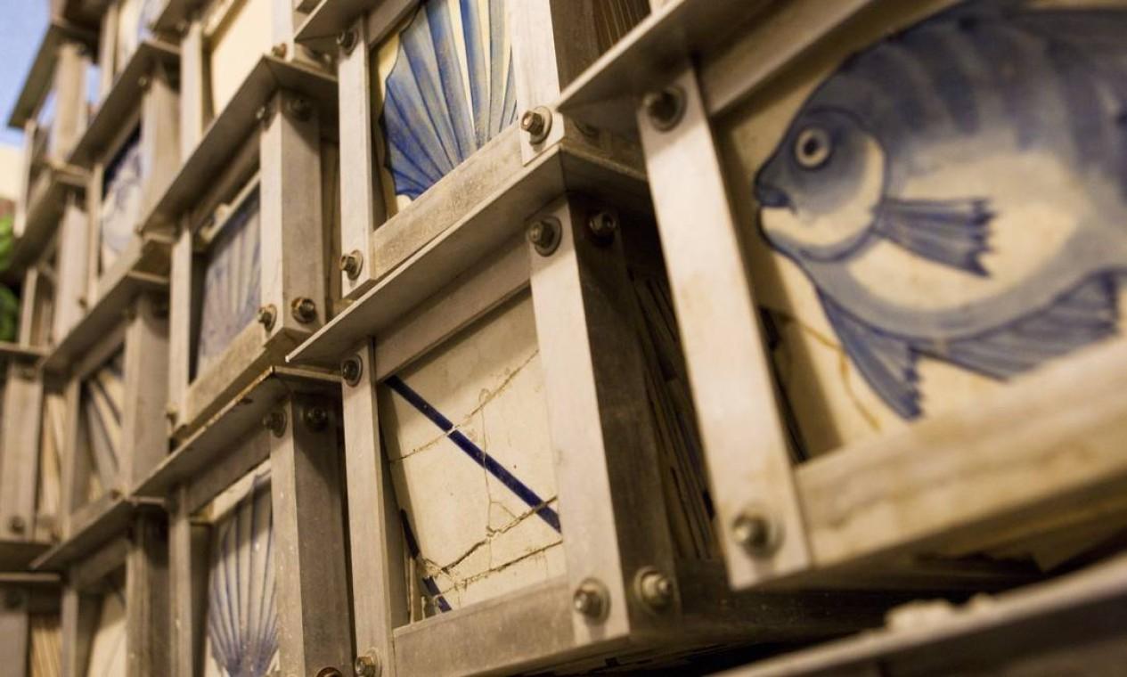 Antiga oficina guarda azulejos para reposição, além de um painel inédito de Portinari Foto: Laura Marques / O Globo