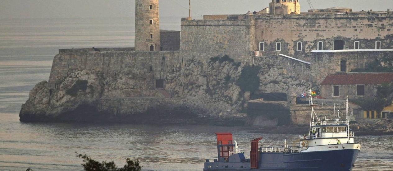 O navio Ana Cecilia no Porto de Havana: rota havia sido paralisada em 1962 Foto: AP