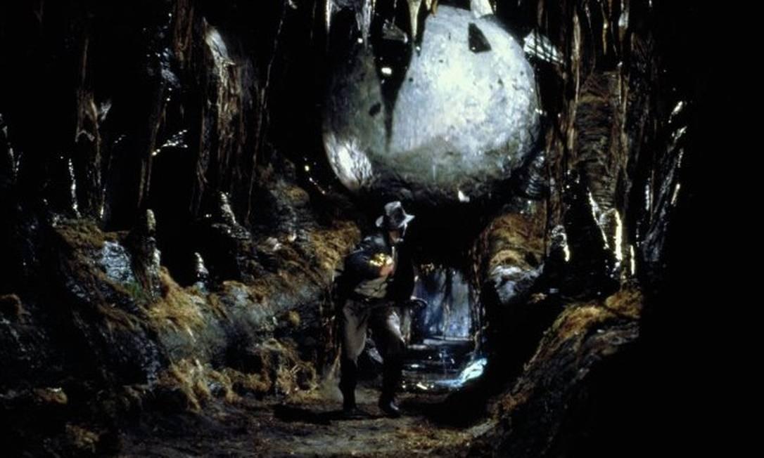 Ator corre na famosa cena de 'Os caçadores da arca perdida', de 1981, o primeiro filme de Indiana Jones Foto: Divulgação/IMDB