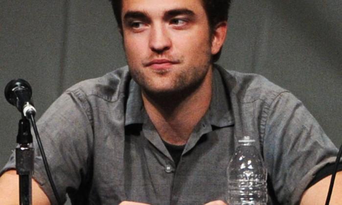 Robert Pattinson respondeu perguntas de fãs durante o painel sobre 'A Saga Crepúsculo: Amanhecer - Parte 2', último capítulo da história de Bella e Edward AFP