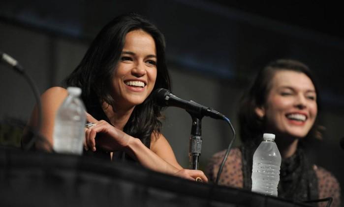 Michelle Rodriguez e Milla Jovovich apresentaram o filme 'Resident Evil: Retribution', que deve estrear em setembro no Brasil AP