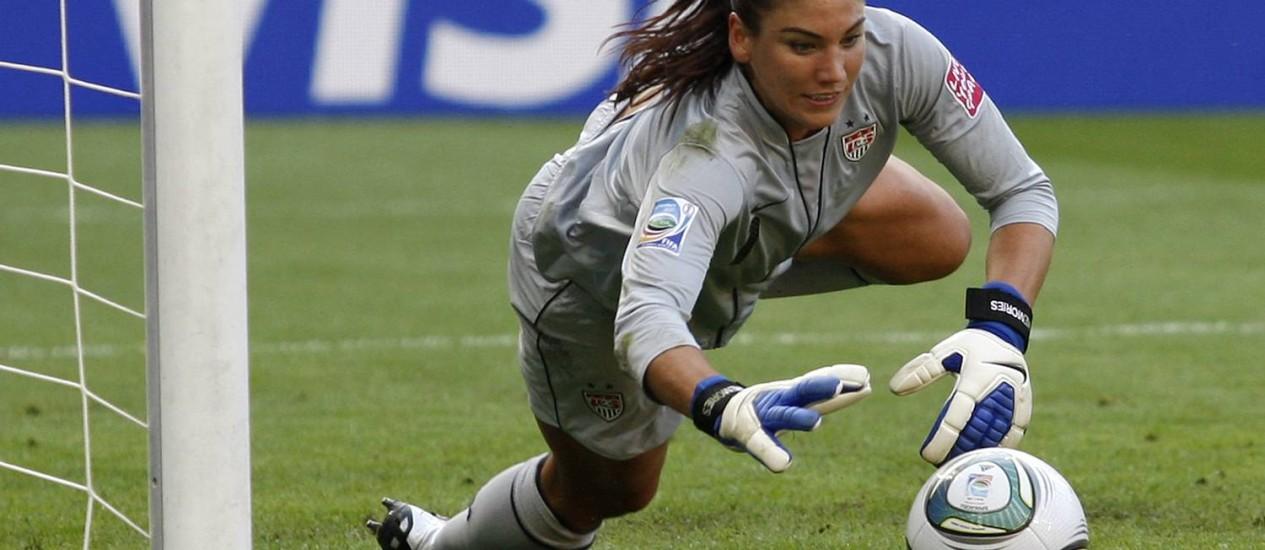 A goleira da seleção americana Hope Solo Foto: Petr David Josek / AP