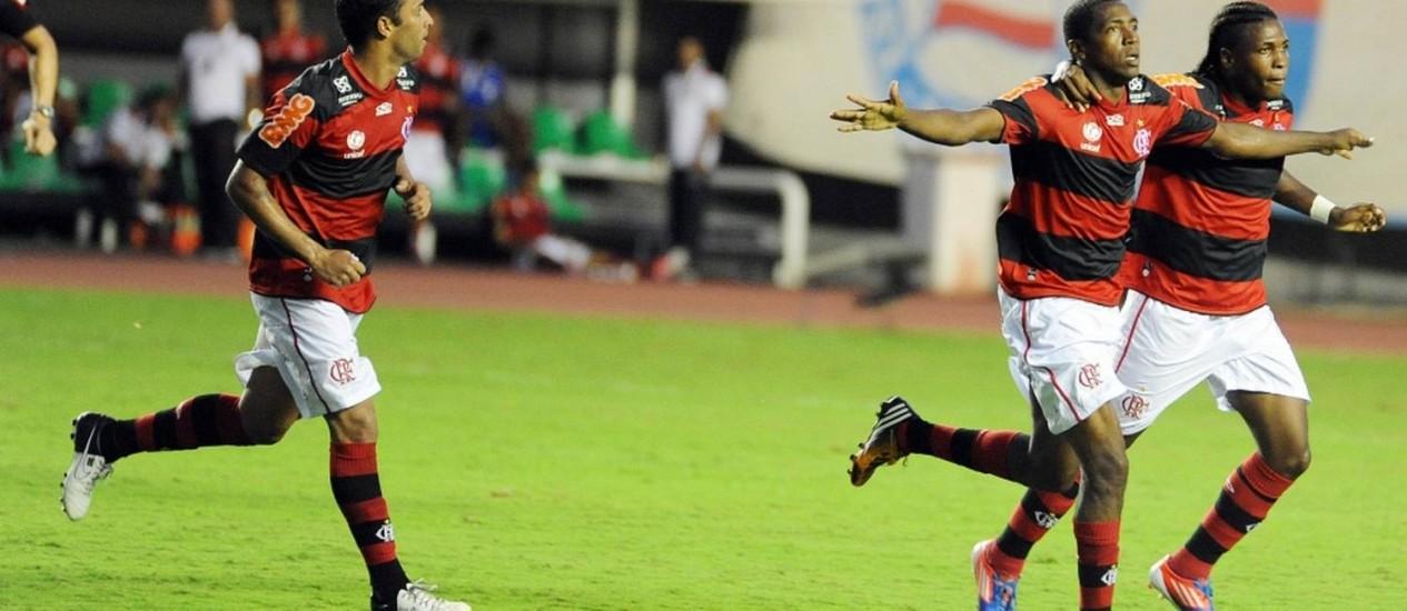 Renato comemora o gol da vitória do Flamengo com Diego Maurício e Ibson Foto: Fla Imagem / Divulgação