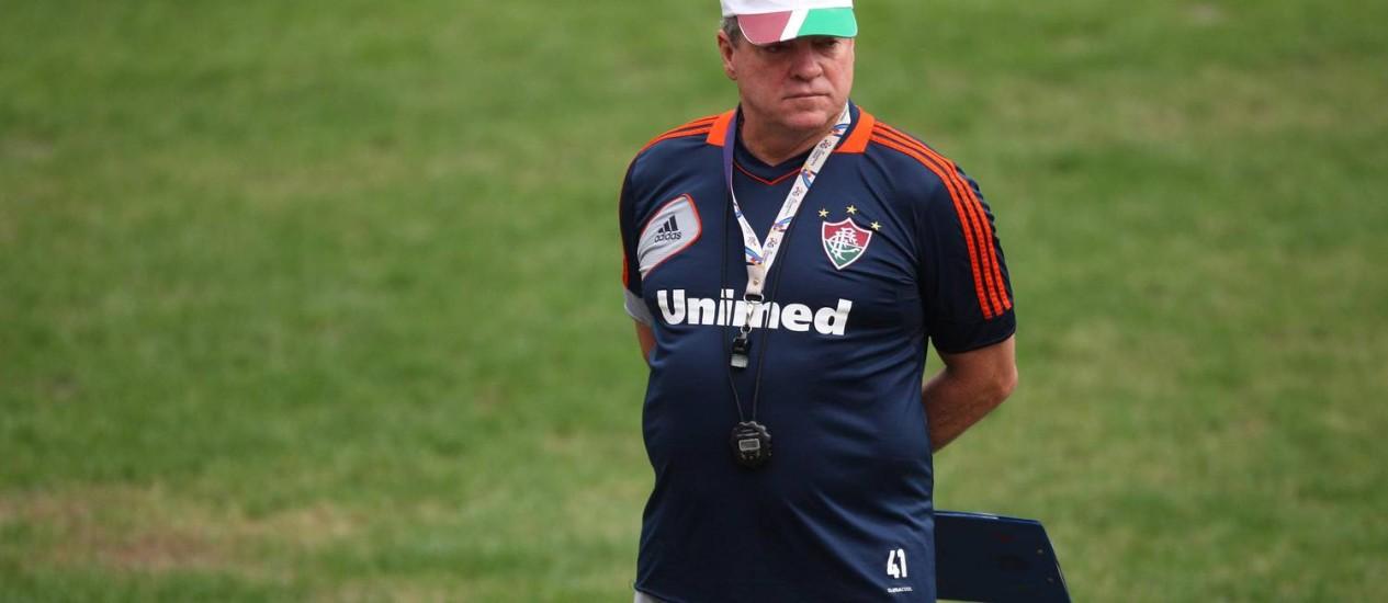 O técnico Abel Braga disse que o time está fisicamente pronto Foto: Márcio Alves / O Globo
