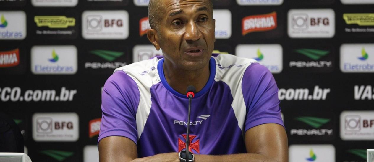 Cristóvão Borges reconheceu que o time teve sorte contra o Atlético-GO Foto: Márcio Alves / O Globo