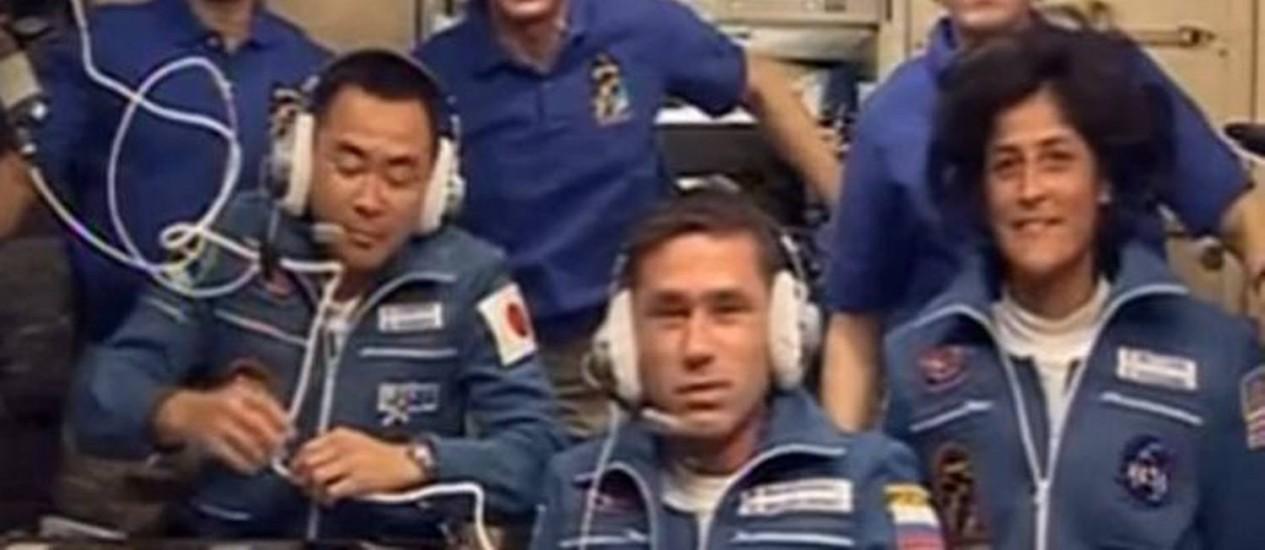 Com a chegada dos três novos astronautas, a ISS tem agora seis tripulantes a bordo Foto: Reprodução / Nasa