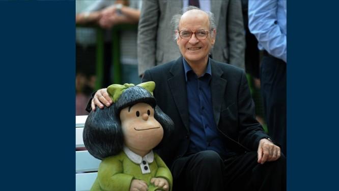 O cartunista argentino Quino, criador da Mafalda (aqui, em foto de 2009), ao completar 80 anos Foto: AFP