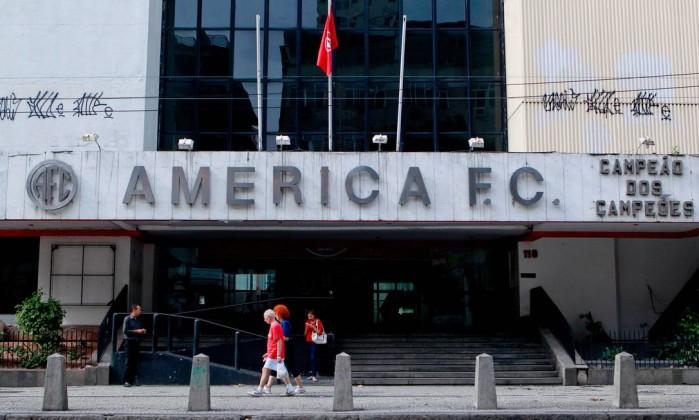 A fachada da sede do America Football Club, na Rua Campos Salles. Prédio foi tombado pela prefeitura nesta terça-feira. Município considerou a importância histórica da agremiação esportiva para a cidade do Rio Pedro Kirilos / Agência O Globo