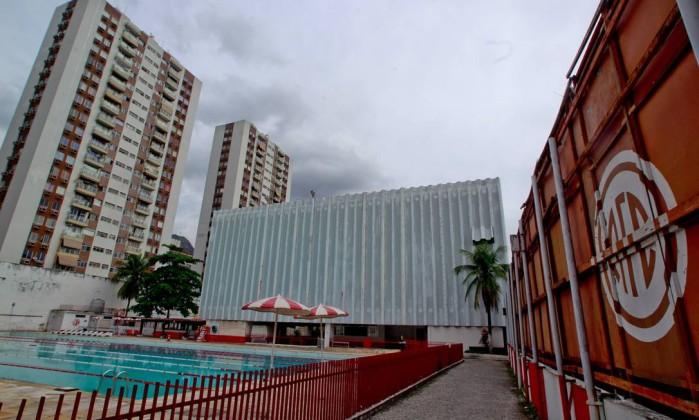 A piscina do clube vazia, nesta terça-feira. America tem dívidas no valor de R$ 22 milhões (R$ 5 milhões só de causas trabalhistas) Agência O Globo / Pedro Kirilos
