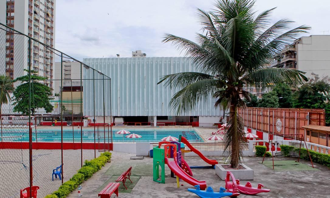 A área de lazer do clube está bem conservada Agência O Globo / Pedro Kirilos