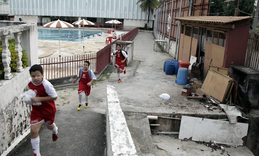 Em junho de 2011, o clube apresentava problemas nas instalações Luis Alvarenga / Agência O Globo