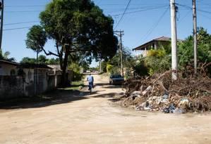 Em Tanguá não há água encanada nem esgoto, mas os candidatos que disputam a prefeitura preveem despesas milionárias nas campanhas Foto: Marcos Tristão / O Globo