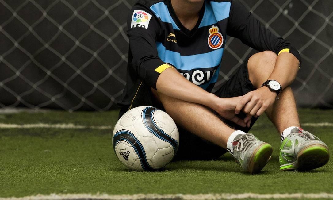 BETINHO, de Araras, selecionado entre jovens do mundo inteiro para treinar no Espanyol, de Barcelona. Ele se apresenta ao clube no dia 10 de agosto Foto: Fotos de Guilherme Leporace