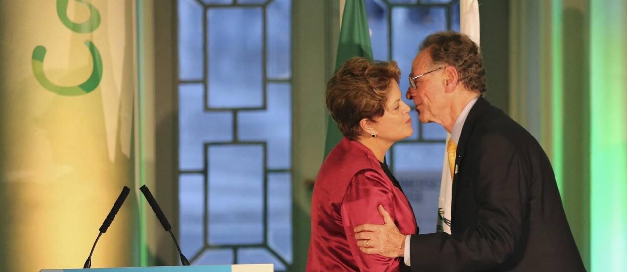 A presidente Dilma Rousseff e Carlos Arthur Nuzman, presidente do Comitê Olímpico Brasileiro (COB), na inauguração da Casa Brasil, em Londres. Foto: SERGIO MORAES / REUTERS
