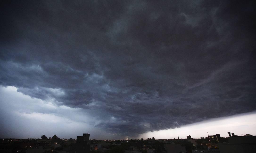 Formação de nuvens em Nova York. Tempestades nos EUA podem trazer prejuízos à camada de ozônio. Foto: LUCAS JACKSON / REUTERS