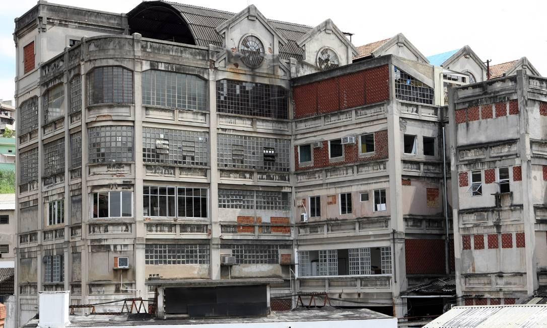O edifício da Bhering: vendido por R$ 3,2 milhões a uma imobiliária para sanar débito tributário dos donos do imóvel Foto: Carlos Ivan / Agência O Globo